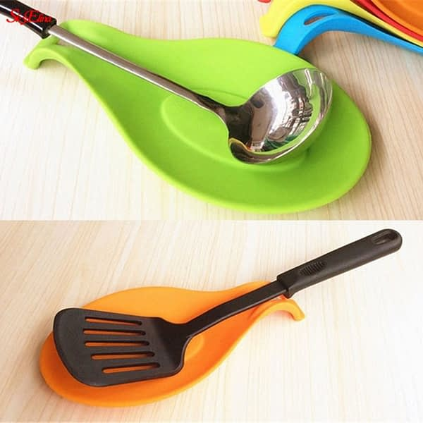 Multipurpose Silicone Spoon Rest Pad Food Grade Silica Gel Spoon Put Mat Device Kitchen Utensils kitchen dishes 5Z
